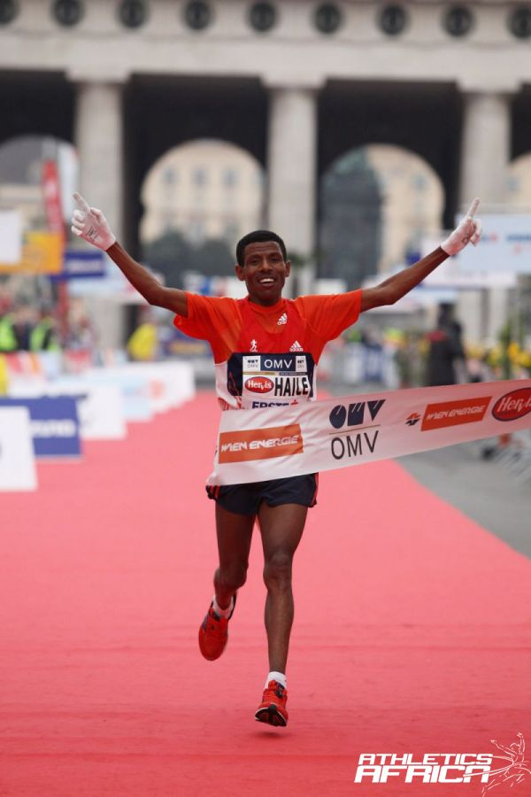 Haile Gebrselassie winning in Vienna in 2012 / Photo Credit: Photorun.net / Jean-Pierre Durand