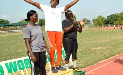 The Sports Minister, Bolaji Abdulahi chatting with the athletes in Ilorin / Photo: Tunde Eludini