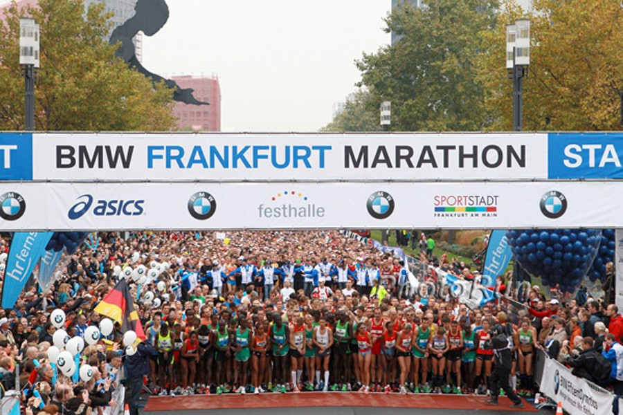 The start of the BMW Frankfurt Marathon / Photo credit: Photorun.net