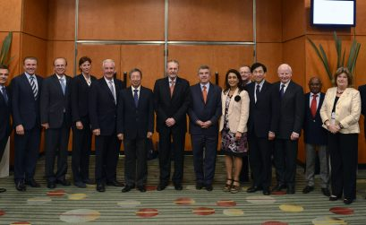 The IOC Executive Board - official photo taken in Buenos Aires at the 125th IOC Session. (c)IOC/Juilliart