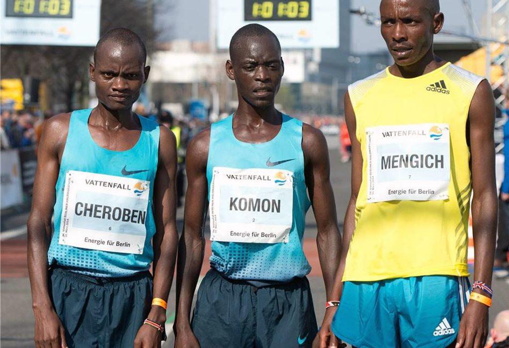 Kenyan Leonard Komon wins the 34th Vattenfall Berlin Half Marathon in 59:14 ahead of compatriot Abraham Cheroben in a sprint finish on Sunday. Photo: DPA