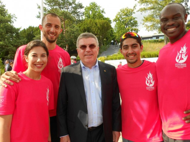AISTS students Enefiok 'Enee' Udo-Obong (Nigeria, athletics), Hisham Shehab (Bahrain, aquatics), Slaven Dizdarevic (Slovakia, decathlon) and Maria Ntanou (Greece, cross-country skiing) with IOC President Thomas Bach / Photo Credit: AISTS