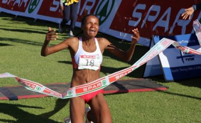 Lebogang Phalula claimed a dramatic and sensational victory in the 25th Durban SPAR Women's 10km race in a time of 33.06.