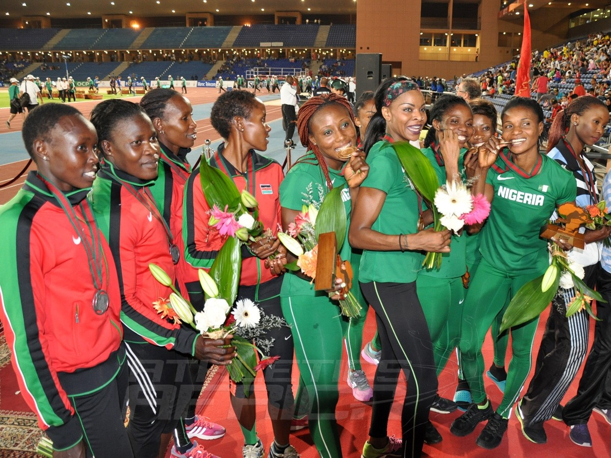 Nigerian and Kenyan 4x400m women's team / Photo credit: Yomi Omogbeja