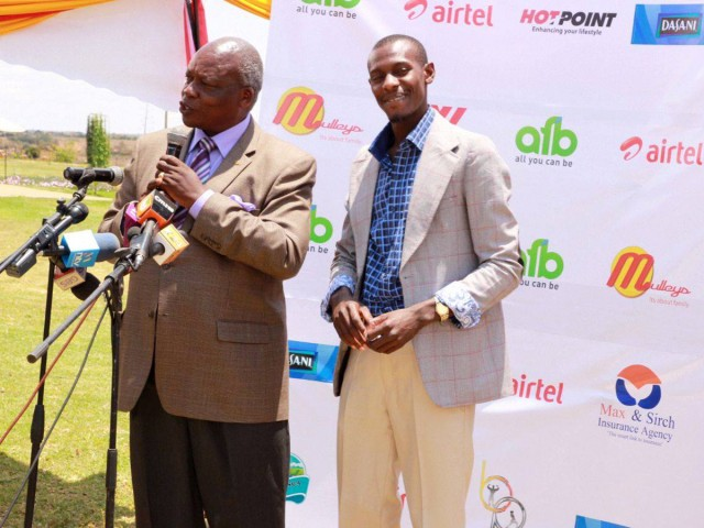 Presentation of Caleb Mwangangi Ndiku by Athletics Kenya in Nairobi