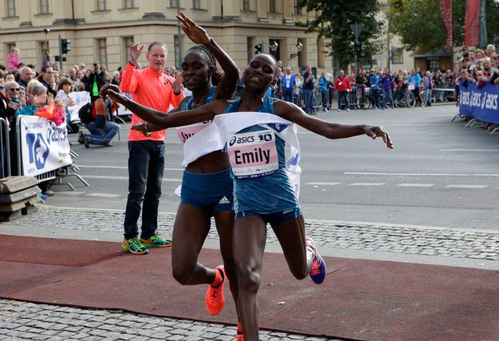 The women's finish with winner Joyce Chepkirui (left) and Emily Chebet. Photo credit: BERLIN RUNS / Action Photo