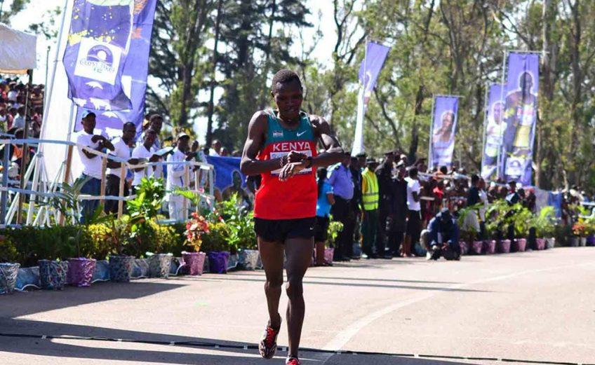 Kenya's Hillary Kipkorir Kemboi wins the men's race at the 2014 Obudu International Mountain Race in Cross Rivers, Nigeria/ Photo credit: LOC