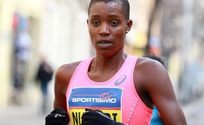 Diane Nukuri running the Sportisimo Prague Half Marathon 2015 / Photo credit: PhotoRun.net
