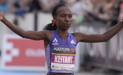 Mary Keitany crosses the finish line in Olomouc / Photo credit: Mattoni Olomouc Half Marathon
