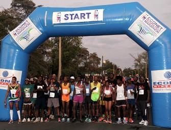 Sibanda, Tsatsa impress at Econet Victoria Falls Marathon 2015