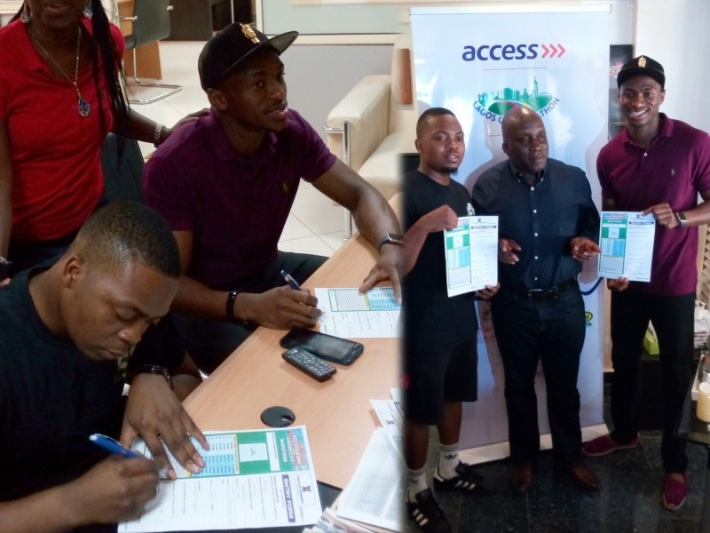 Olamide and Seye Ogunlewe with their race forms pose with head of the organising committee for the Access Bank Lagos City Marathon, Deji Tinubu / Photo: Lagos City Marathon