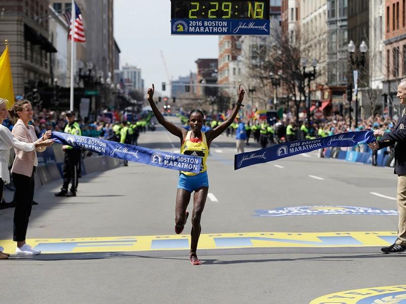 Ethiopian Atsede Baysa beat a world-class field to win the 120th Boston Marathon / Photo: BAA