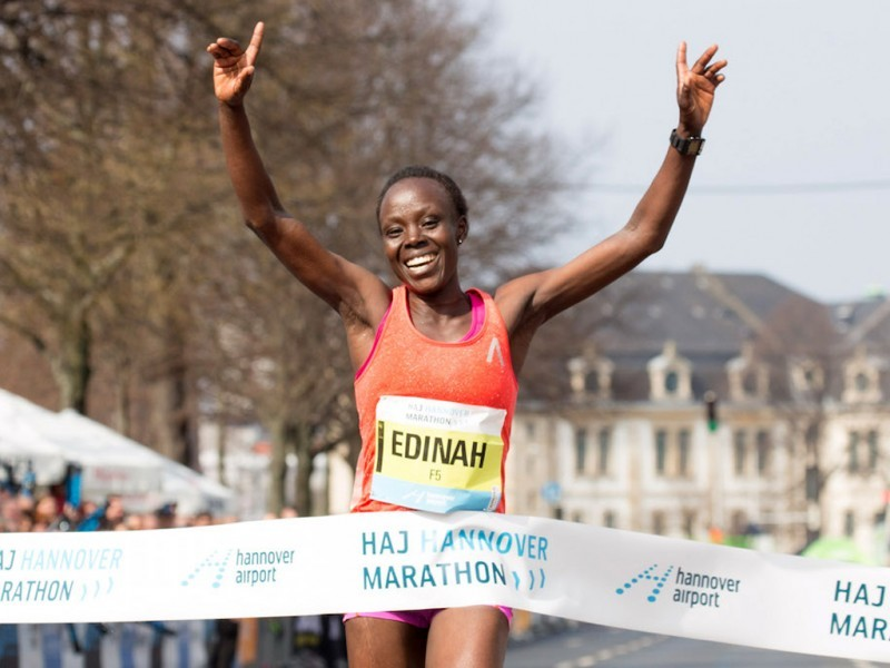Kenyan Edinah Kwambai winning at the 2016 Hannover Marathon / Photo Credit: HAJ Hannover Marathon / Norbert Wilhelmi
