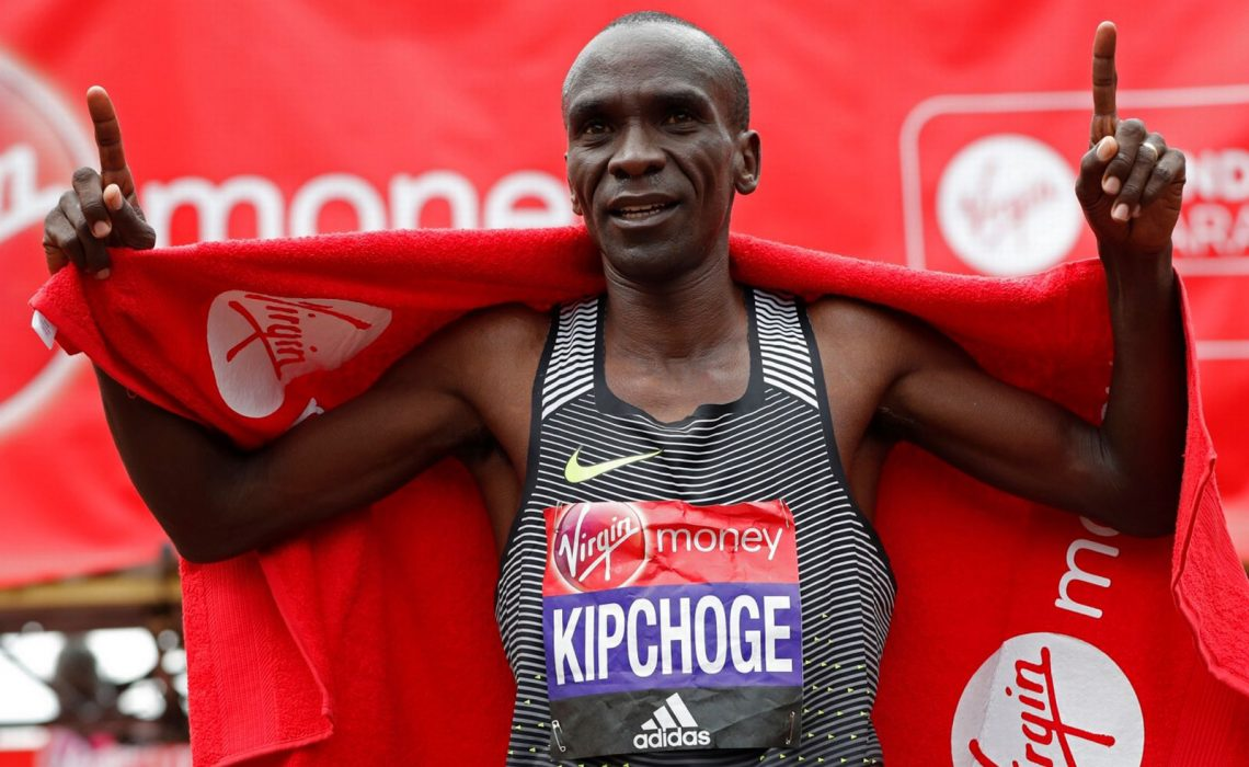 Eliud Kipchoge wins the Elite Men's Race ahead of fellow Kenyan Stanley Biwott at Virgin Money London Marathon, Sunday 24 April 2016 | Photo: Reuters / Paul Childs