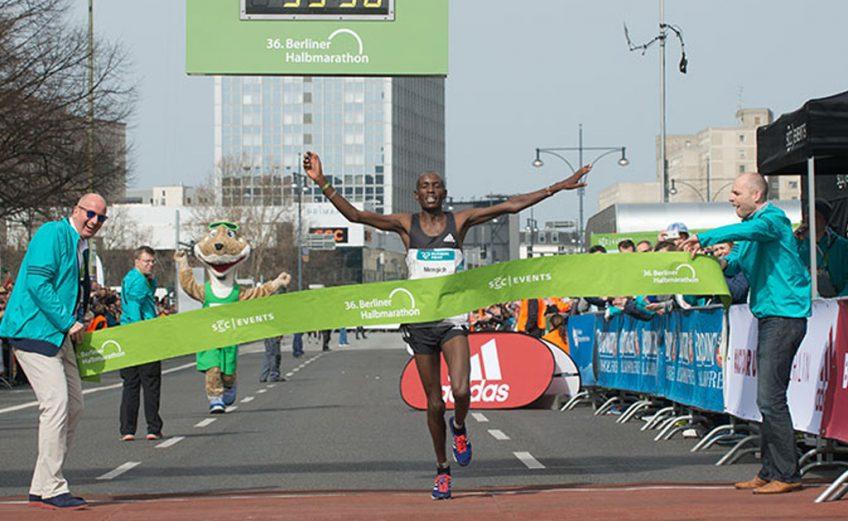 Richard Mengich winning at Berlin Half Marathon 2016 / Photo credit: SCC-Events/camera4