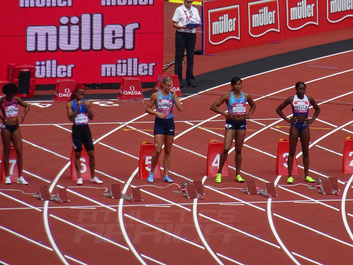 Women's 100m final line-up / Photo: Yomi Omogbeja / AthleticsAfrica.com