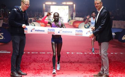Shura Kitata Tola of Ethiopia and Kenya's Vivian Cheruiyot winning at the 36th edition of the Mainova Frankfurt Marathon / Photo Credit: www.photorun.net