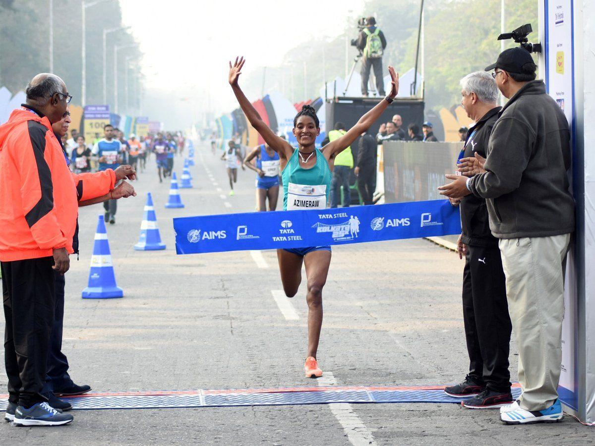 Degitu Azimarew, from Ethiopia, winning the women's race at the Tata Steel Kolkata 25K 2017 / Photo credit: Procam International