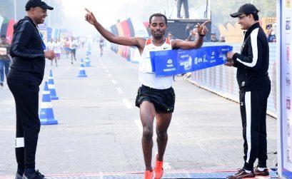 Kenenisa Bekele, from Ethiopia winning the men's race at the Tata Steel Kolkata 25K 2017 / Photo credit: Procam International