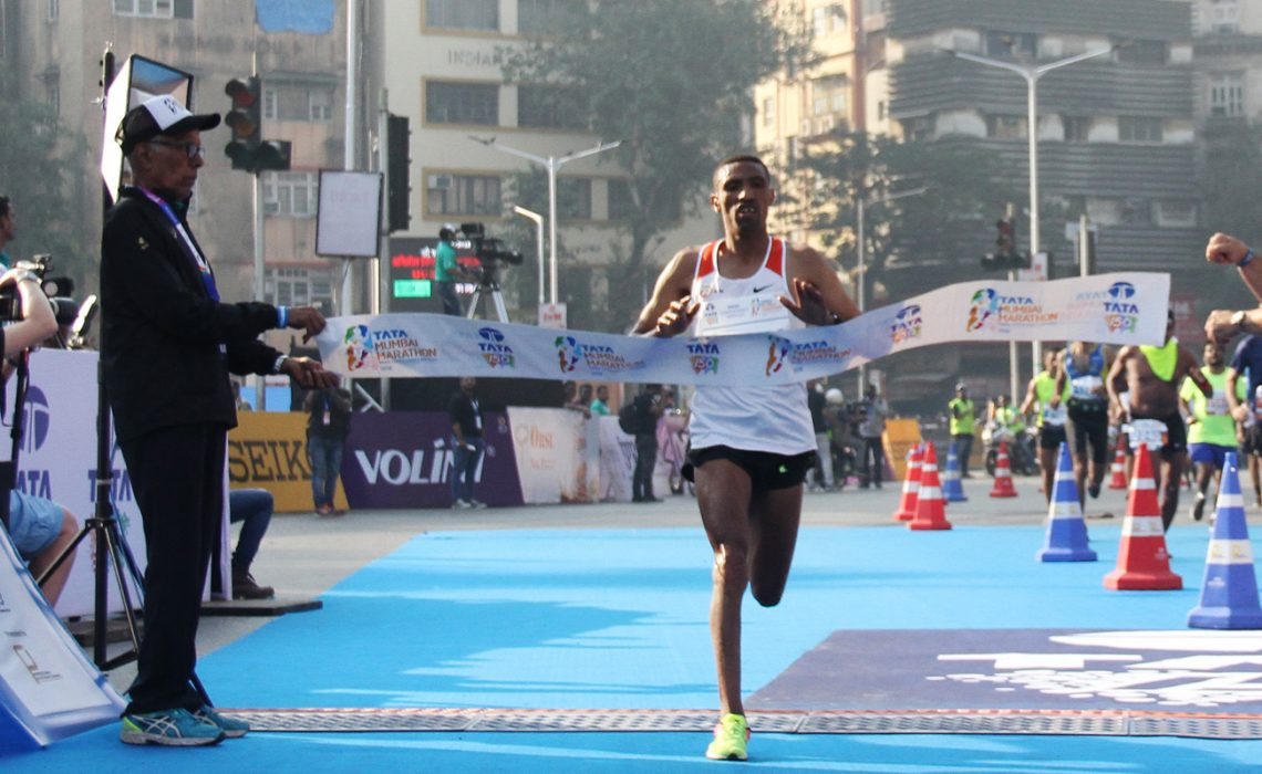 Ethiopia's Solomon Deksisa, men's winner of the Tata Mumbai Marathon 2018 / Photo Credit: Procam International