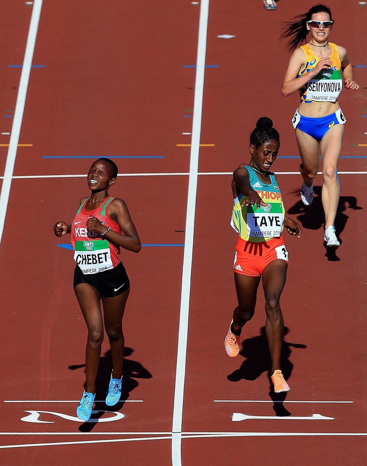 Beatrice Chebet wins the women's 5000m ahead of Ethiopia Ejegayehu Taye at the IAAF World U20 Championships Tampere 2018 (Getty Images for the IAAF)