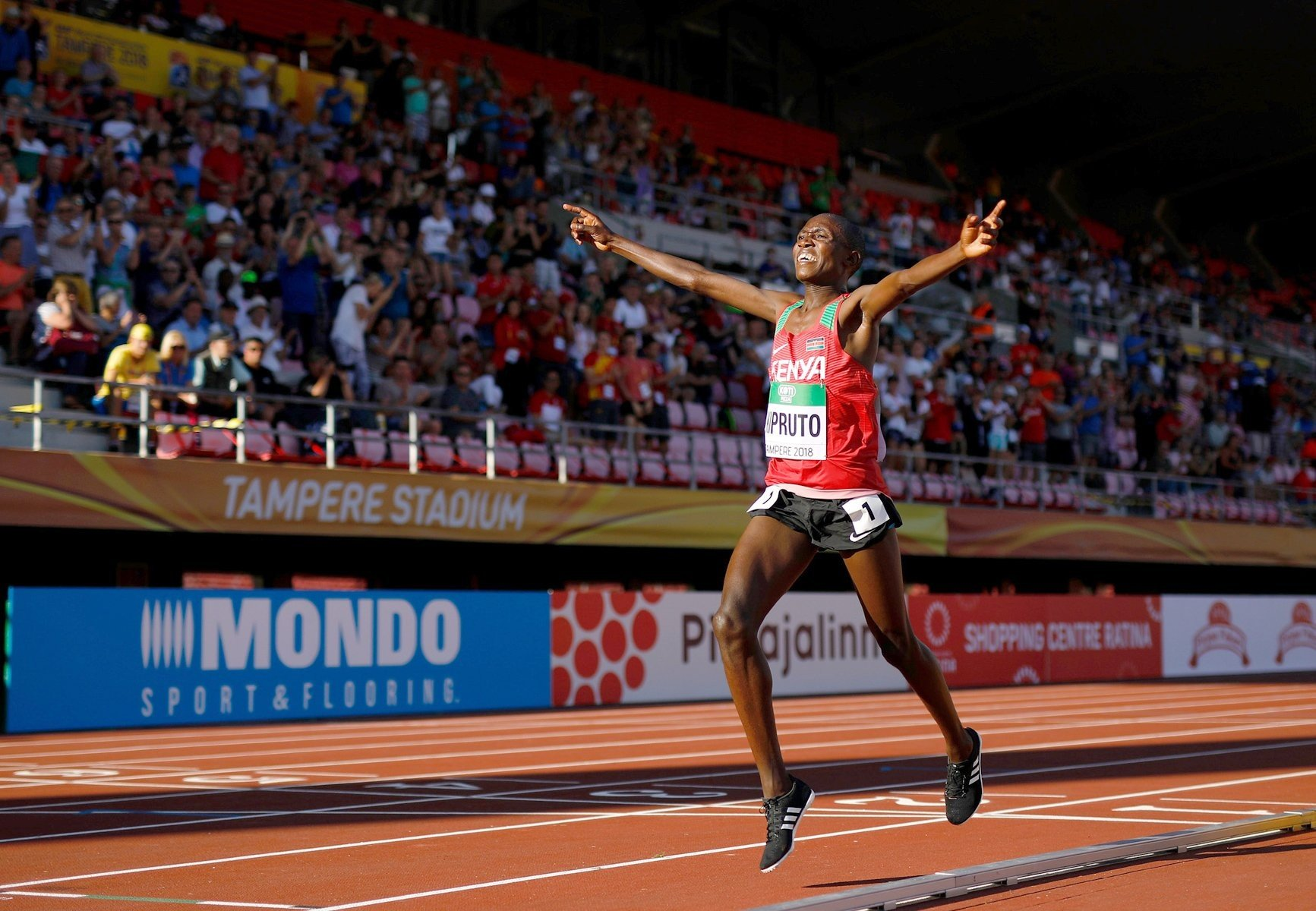 Rhonex Kipruto wins the men's 10,000m at the IAAF World U20 Championships Tampere 2018 (Getty Images for the IAAF)