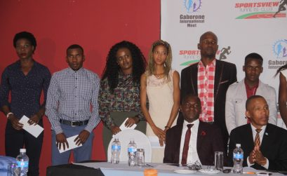 Botswana's 400m sensation, Amantle Montsho (far left) with some of the athletes who received their appearance fees for the GIM2018. / Photo credit: Calistus Kolantsho