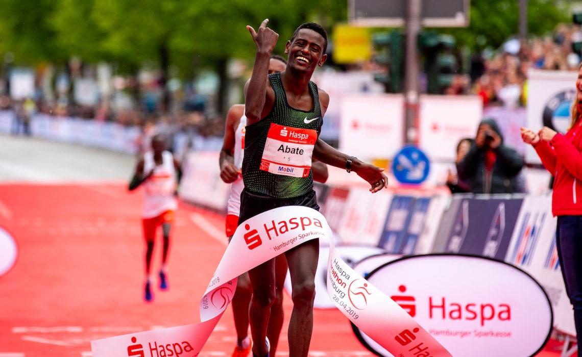 34. Haspa Marathon Hamburg 2019, Sieger Tadu Abate (ETH) Photo credit: Philipp Szyza / HOCH ZWEI